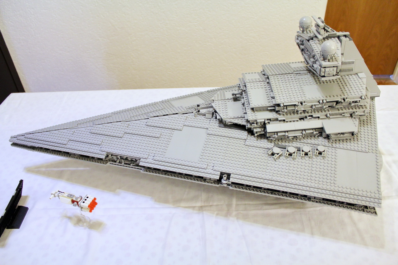 10030 UCS Imperial Star Destroyer-03