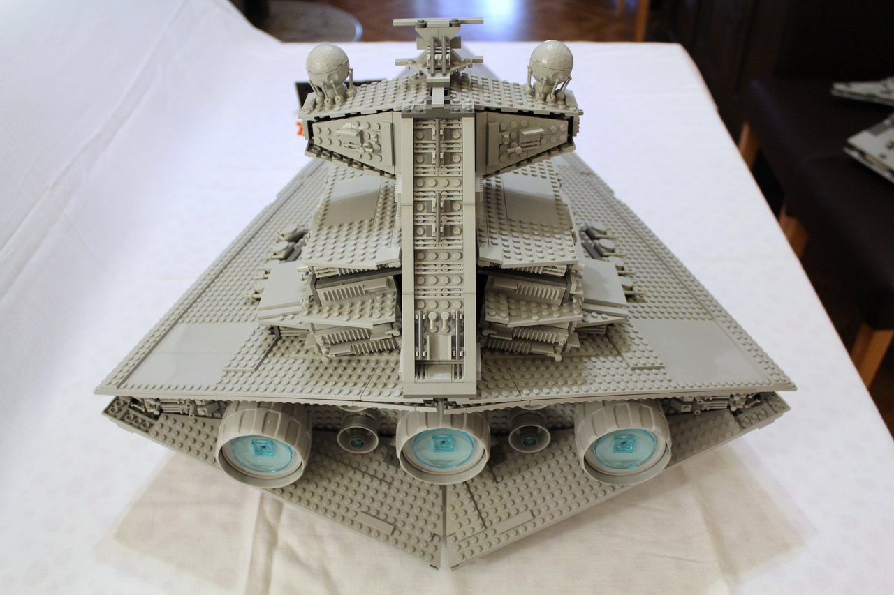 10030 UCS Imperial Star Destroyer-04