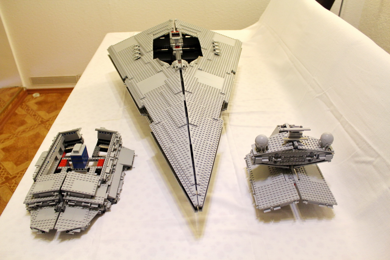 10030 UCS Imperial Star Destroyer-10