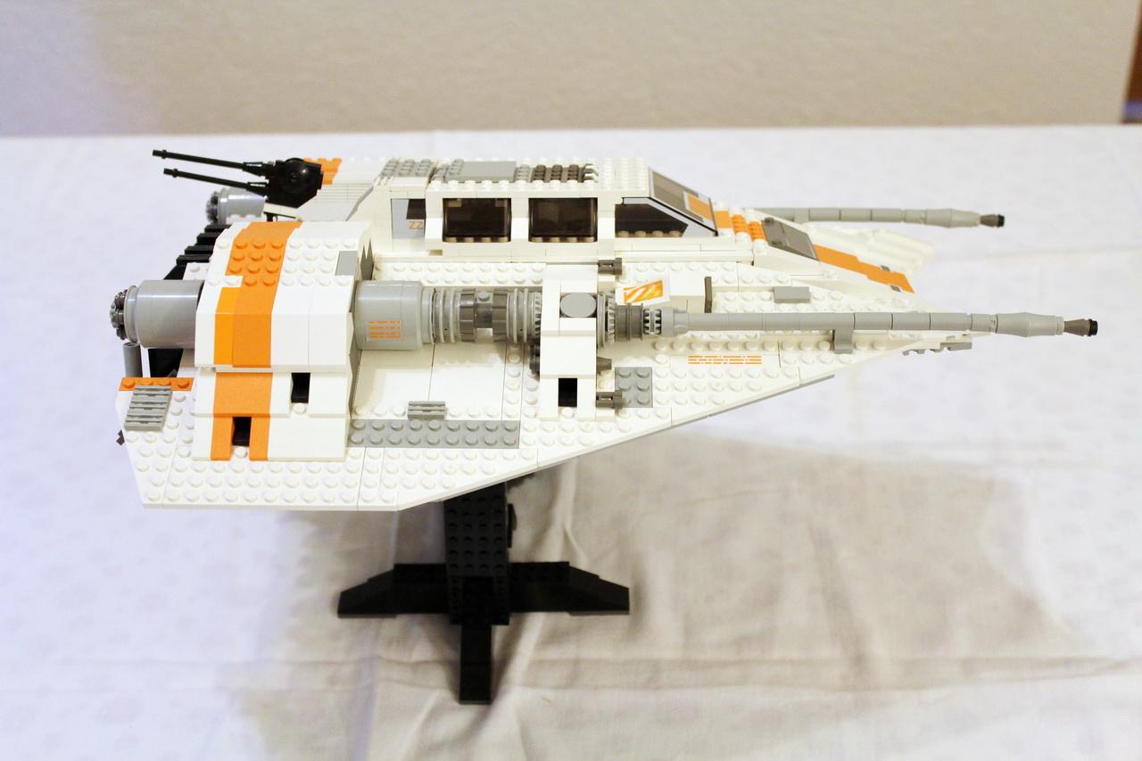 10129 UCS Rebel Snowspeeder-02