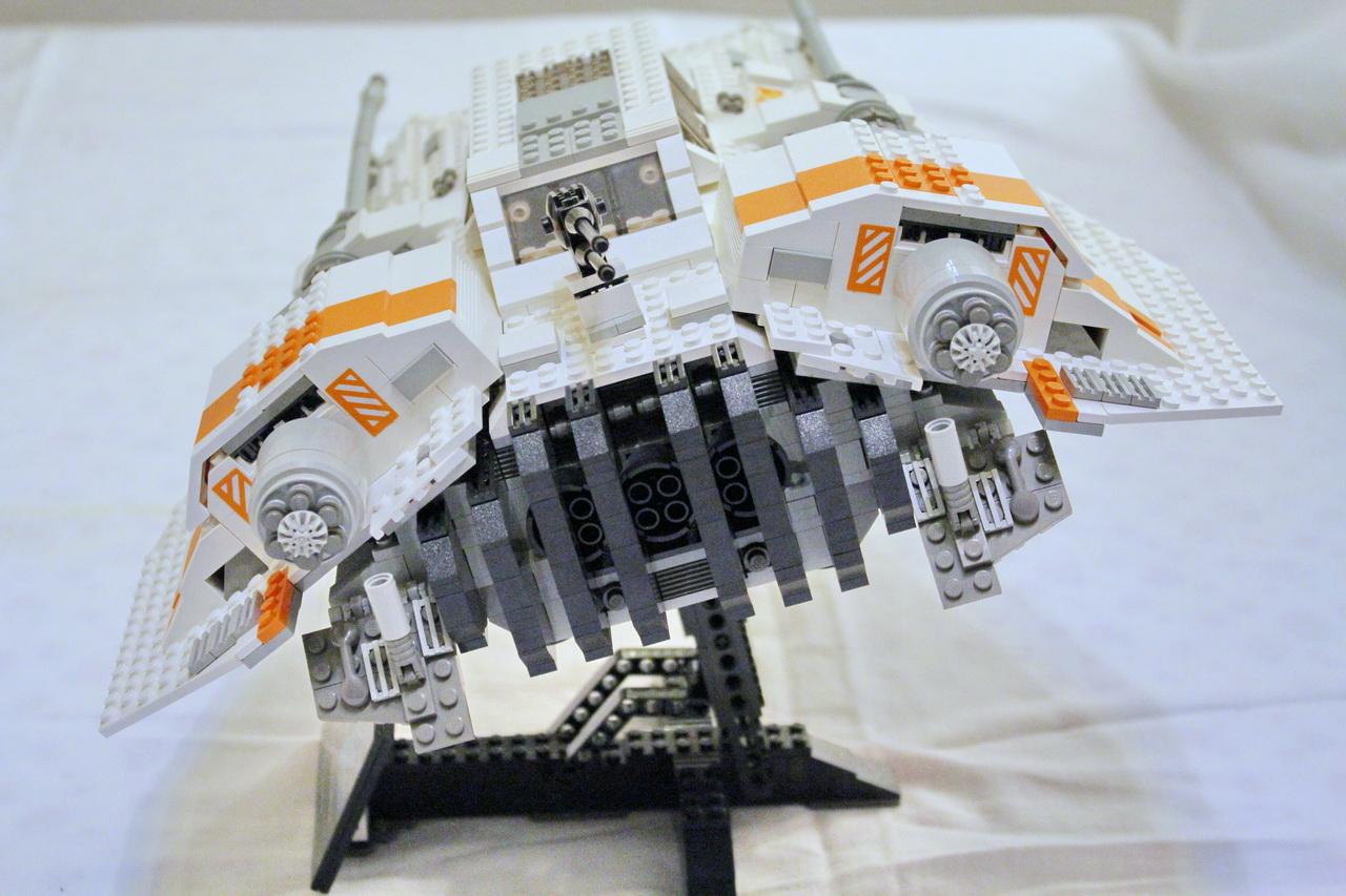 10129 UCS Rebel Snowspeeder-04