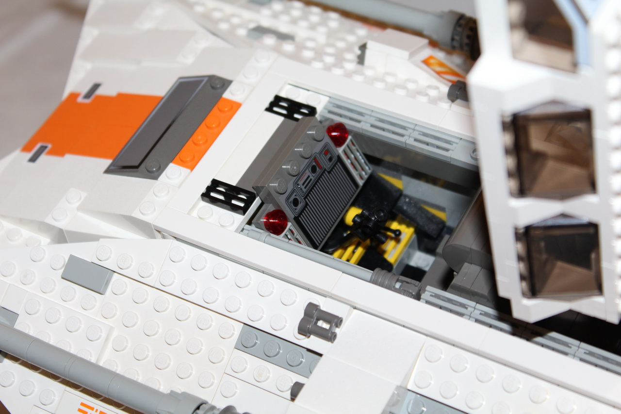 10129 UCS Rebel Snowspeeder-09