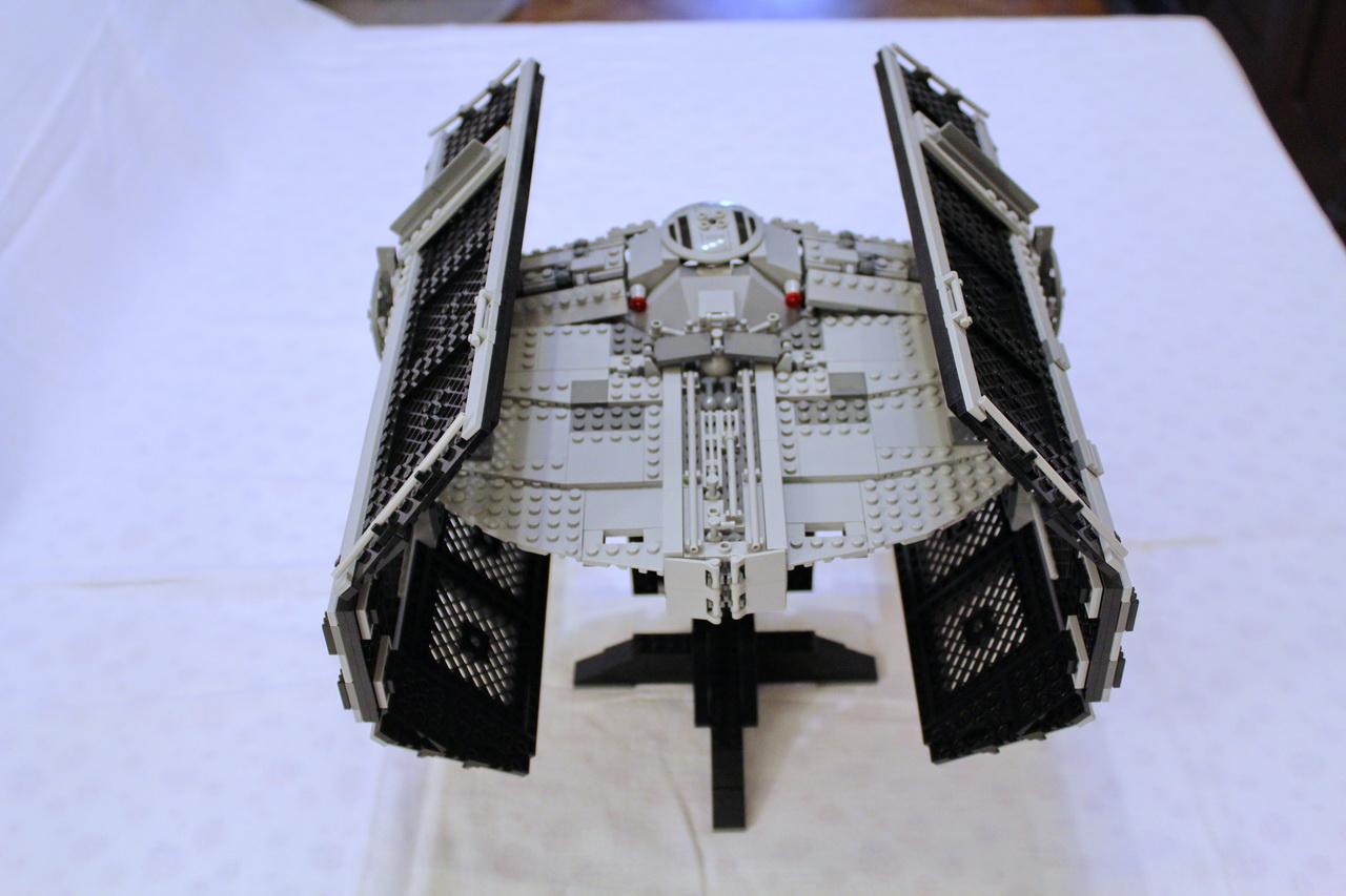 10175 UCS Vaders TIE Advanced-05