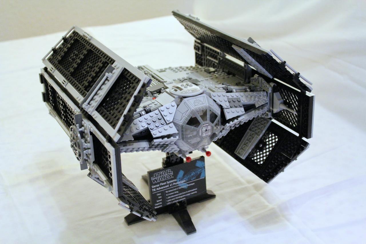 10175 UCS Vaders TIE Advanced-06