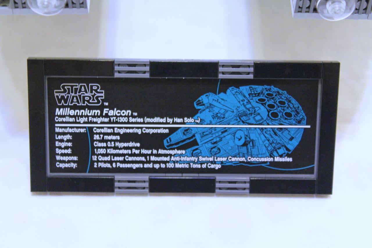 10179 UCS Millenium Falcon-06