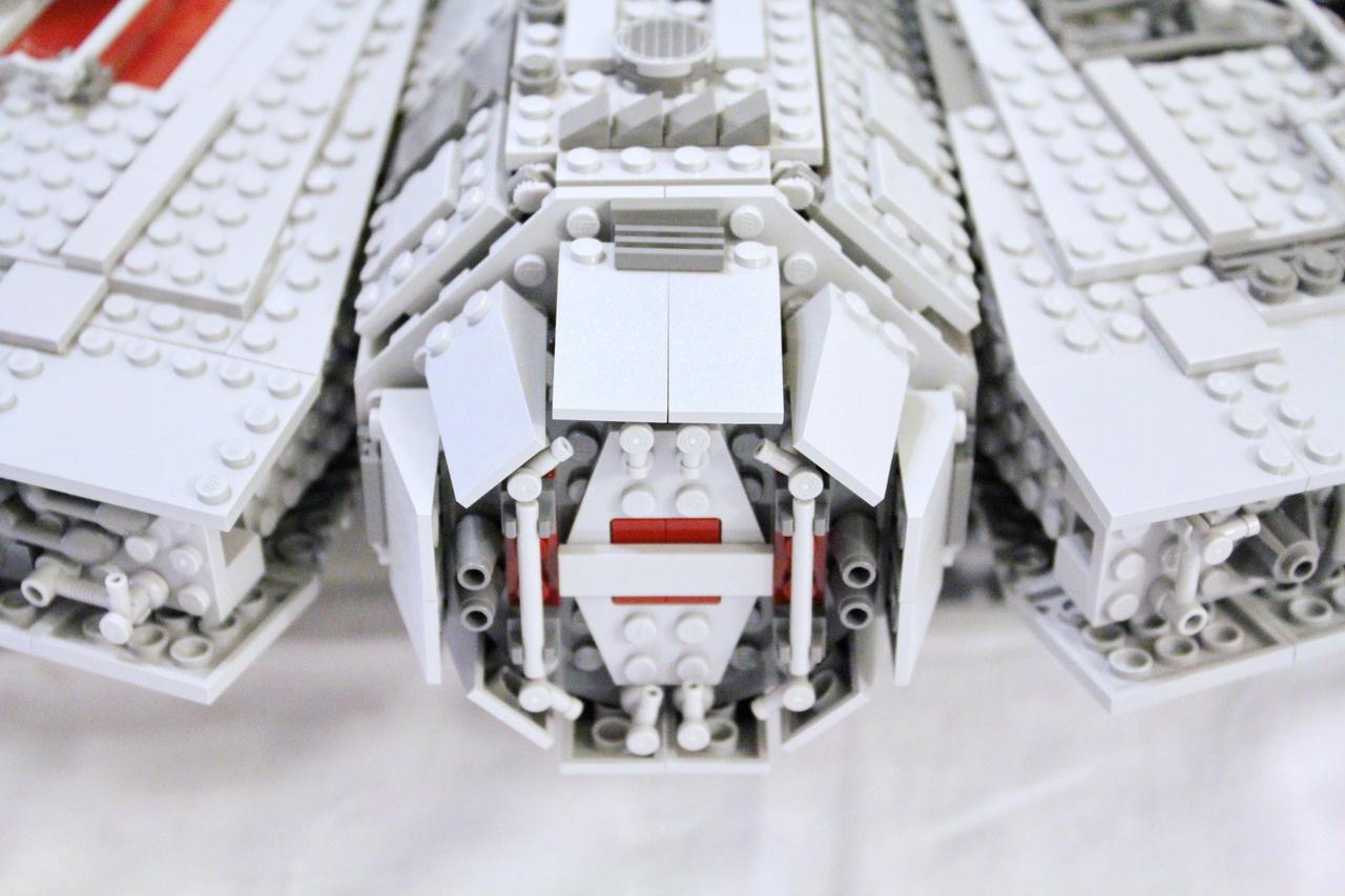 10179 UCS Millenium Falcon-10