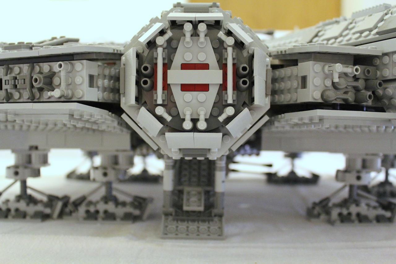 10179 UCS Millenium Falcon-11