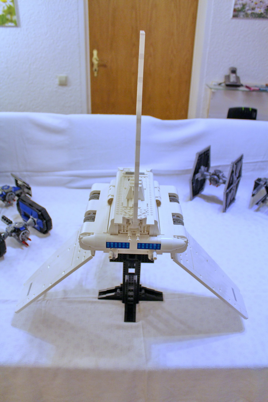 10212 UCS Imperial Shuttle-10