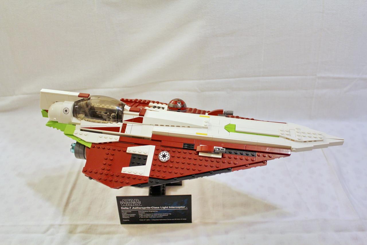 10215 UCS Obi-Wans Jedi Starfighter-03