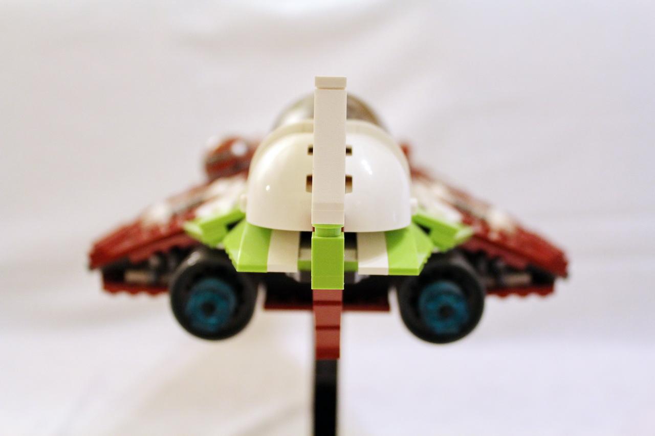 10215 UCS Obi-Wans Jedi Starfighter-04