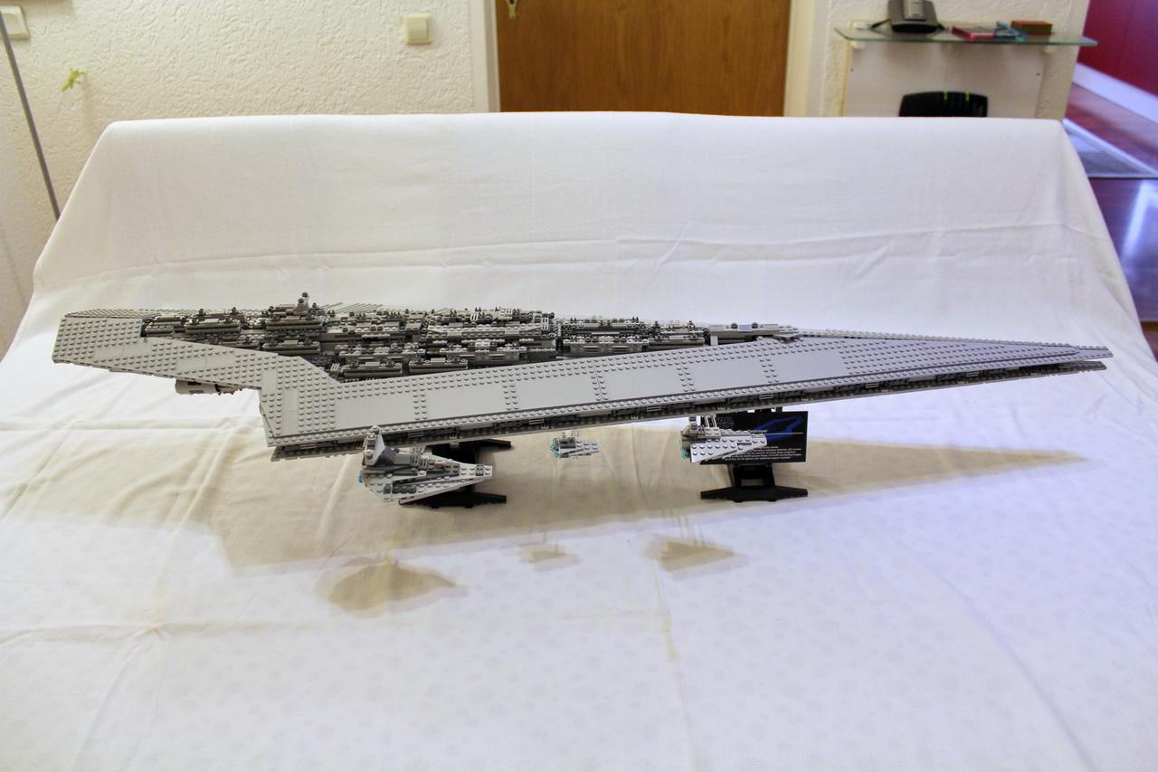 10221 UCS Super Star Destroyer-02