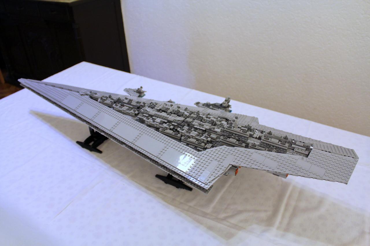 10221 UCS Super Star Destroyer-03