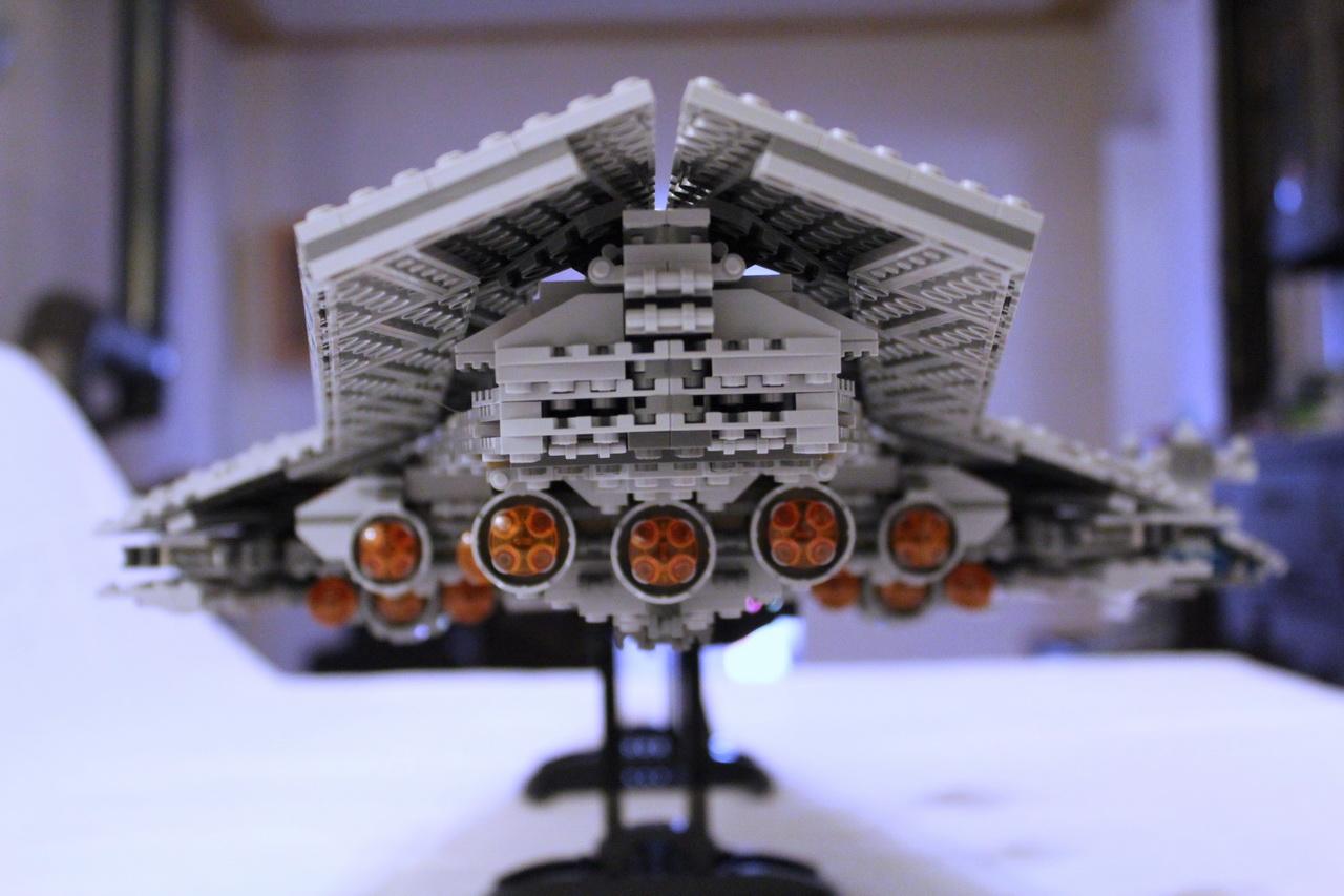10221 UCS Super Star Destroyer-04