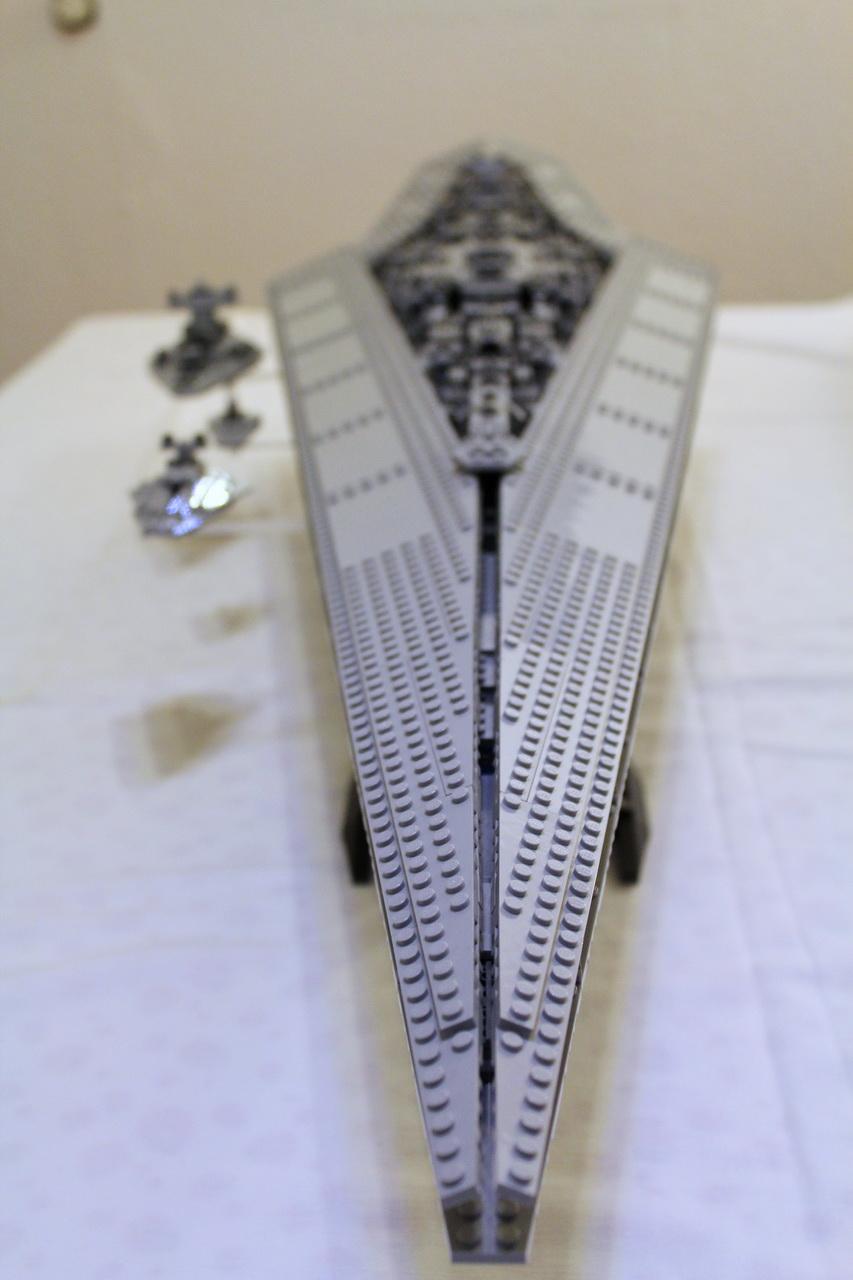 10221 UCS Super Star Destroyer-06