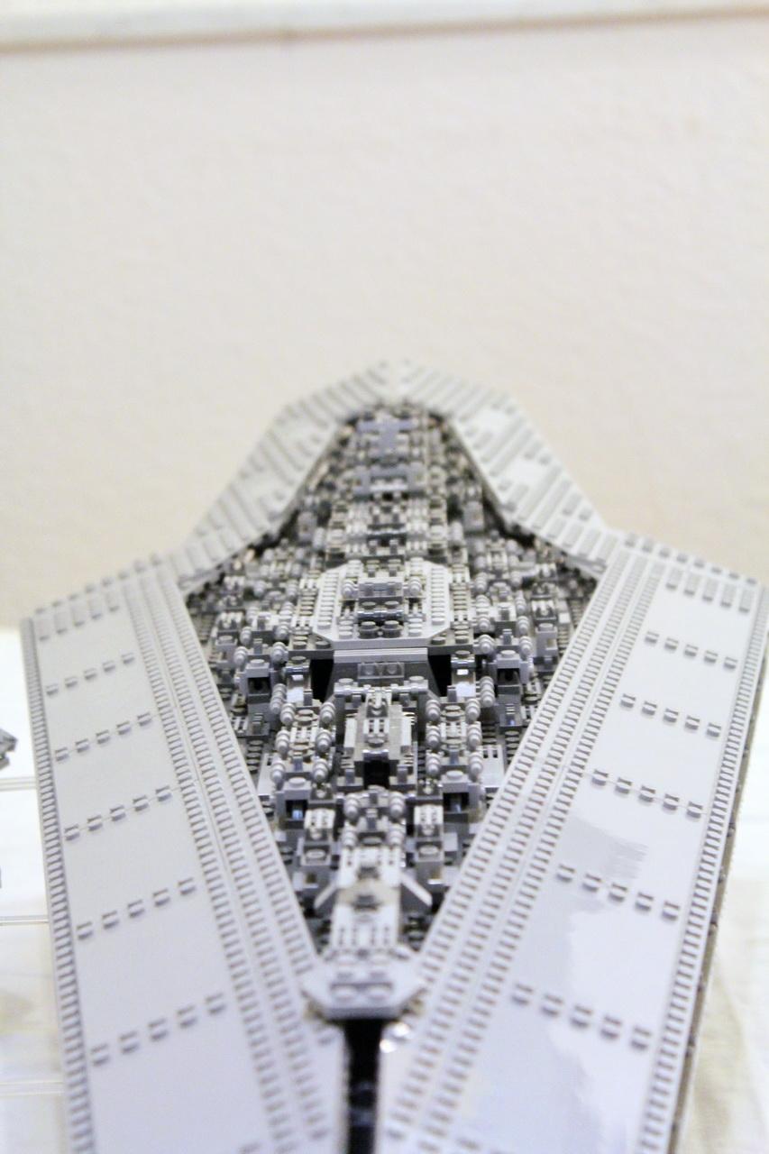 10221 UCS Super Star Destroyer-08