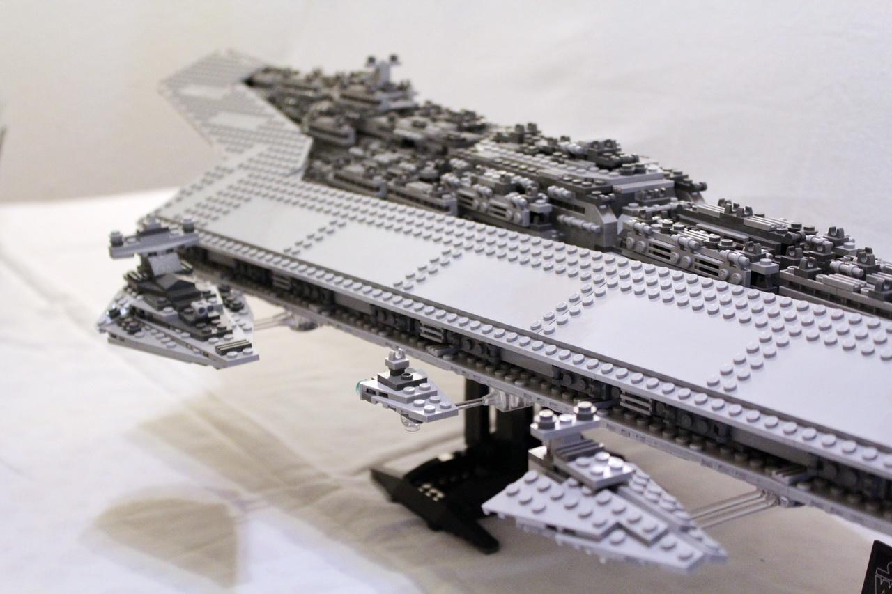 10221 UCS Super Star Destroyer-11