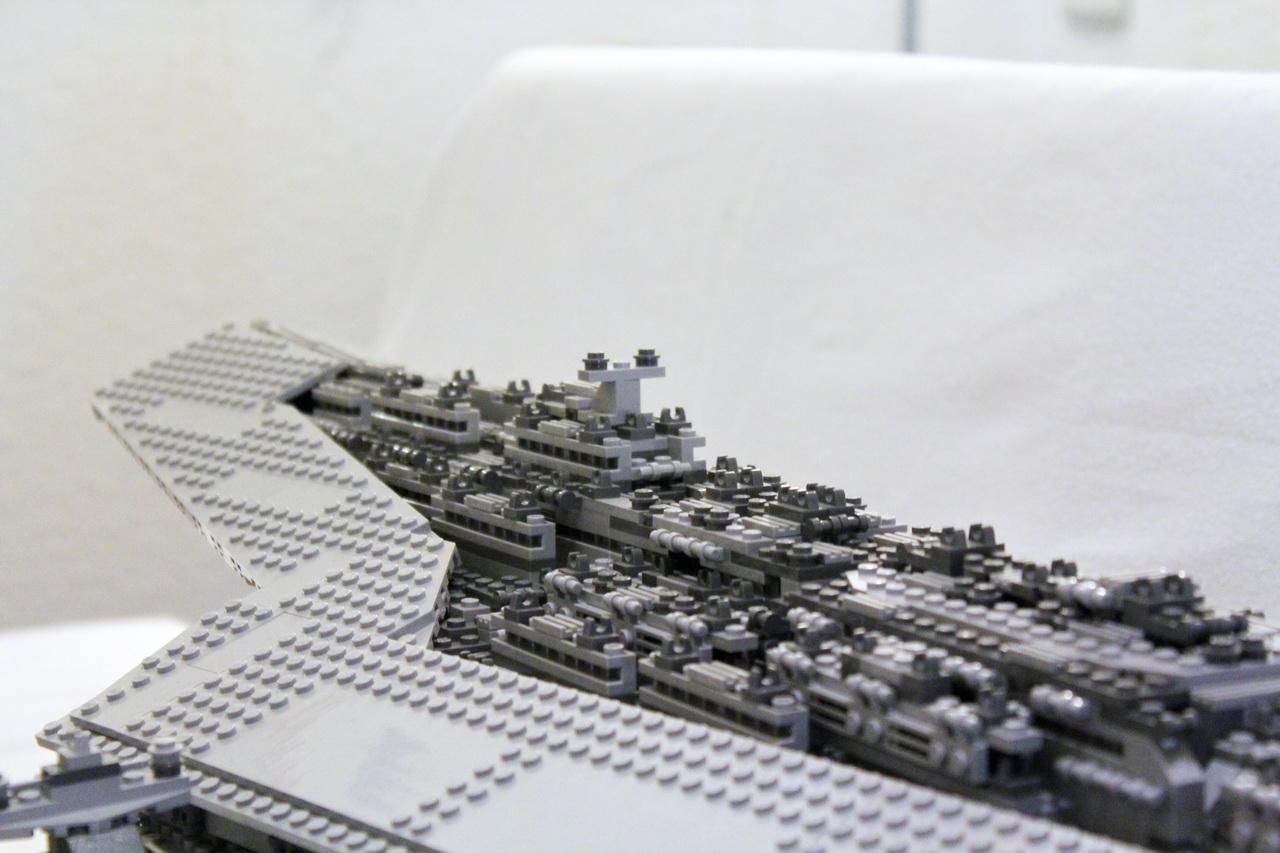 10221 UCS Super Star Destroyer-12