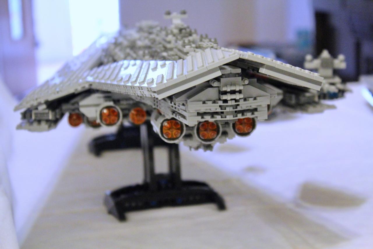 10221 UCS Super Star Destroyer-13