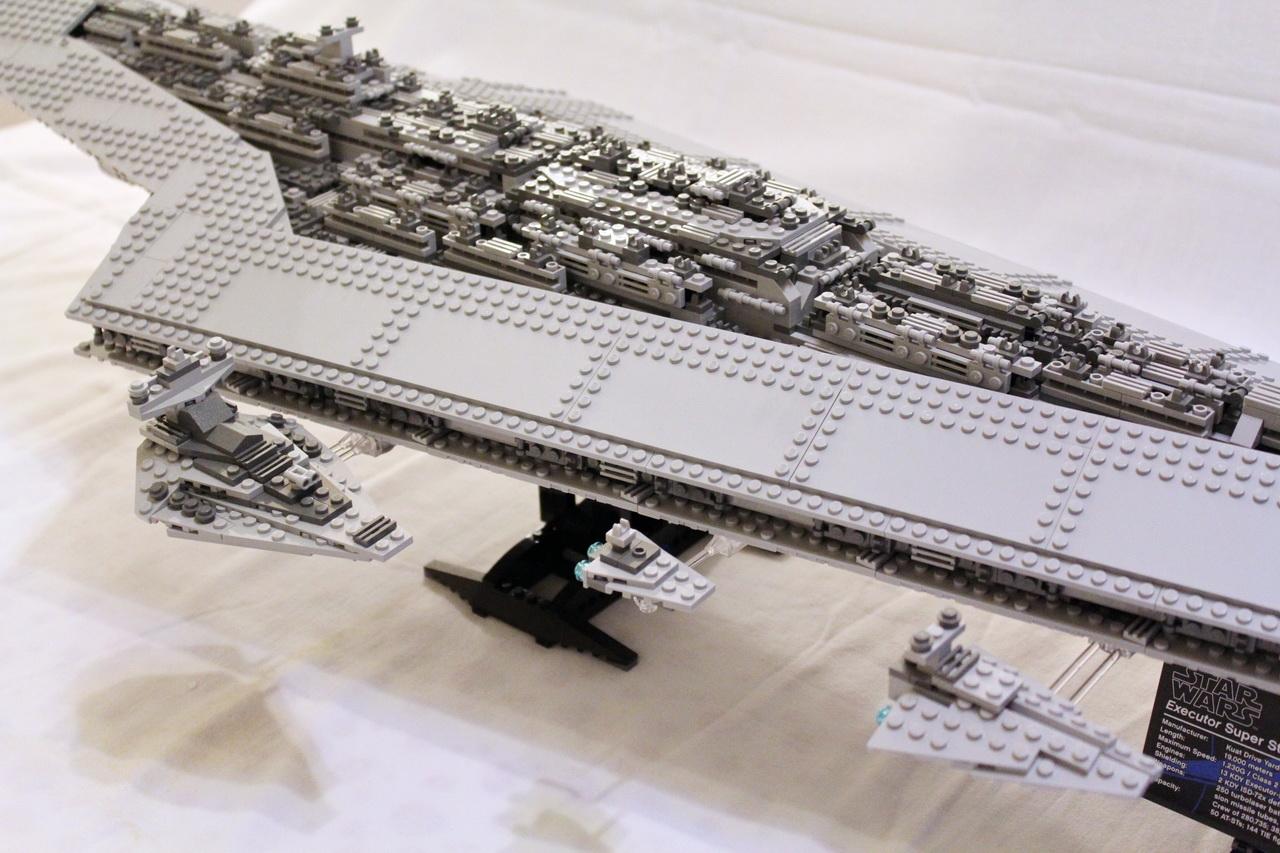 10221 UCS Super Star Destroyer-15