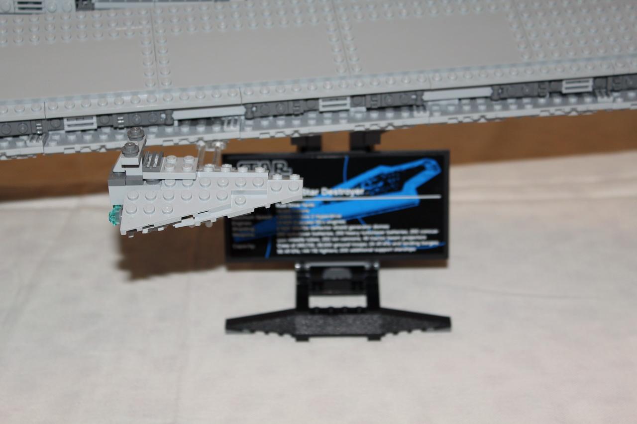 10221 UCS Super Star Destroyer-16