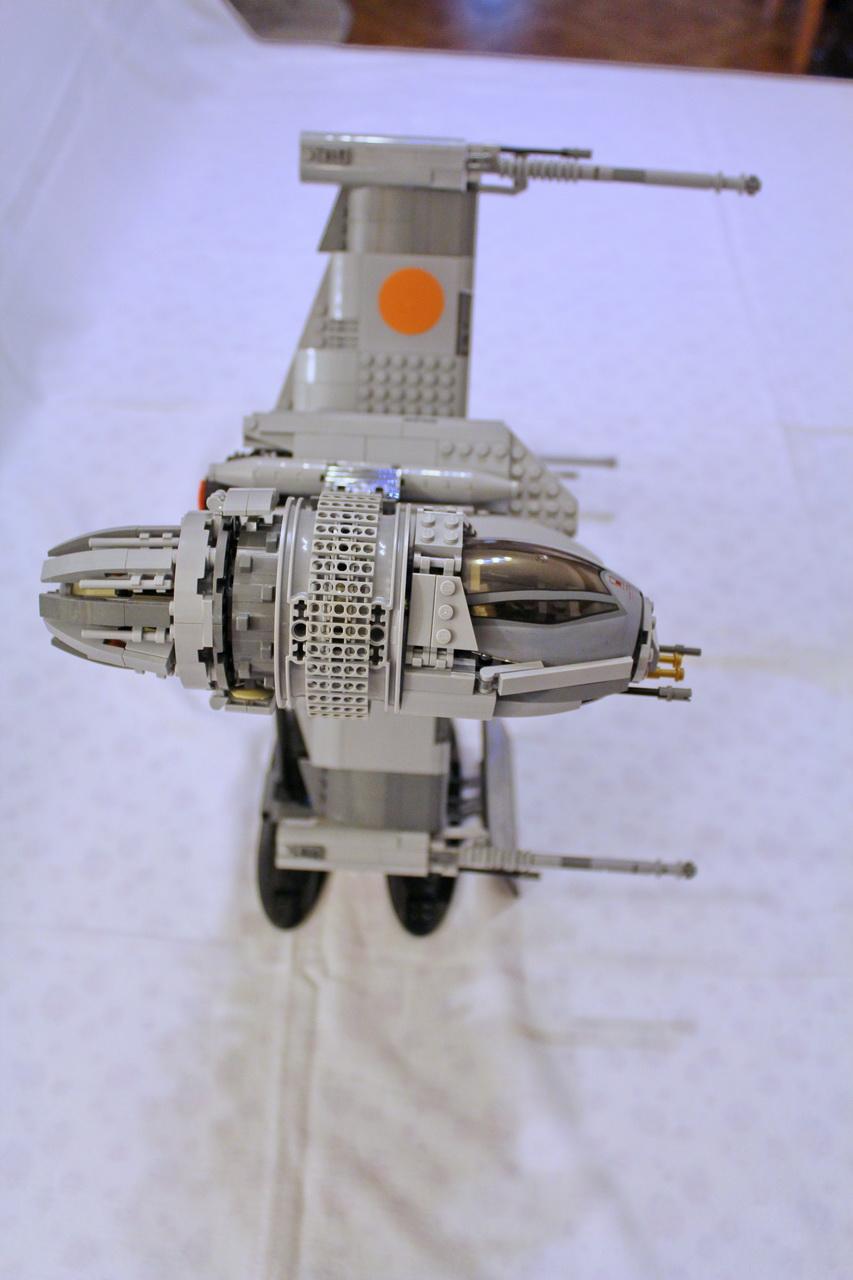 10227 UCS B-Wing-04