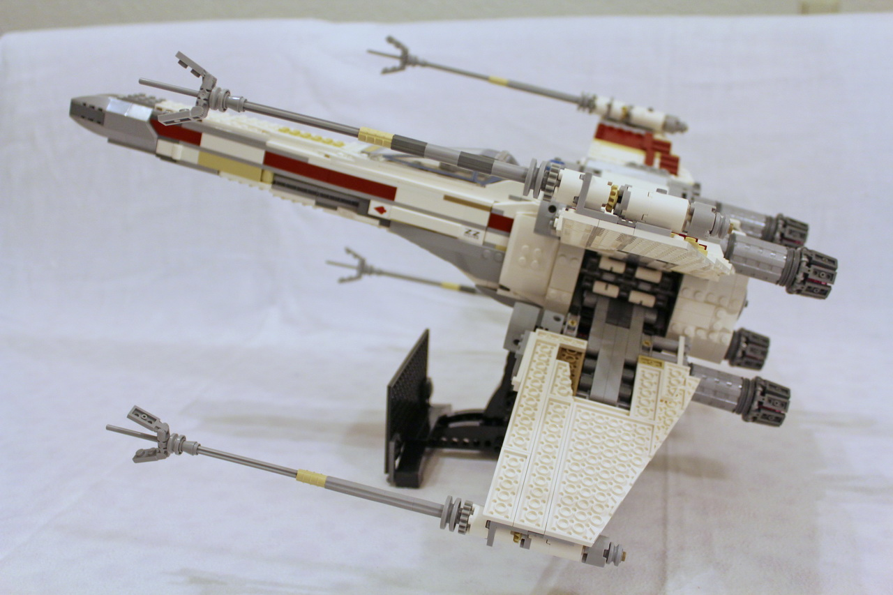 10240 UCS Red Five X-wing Starfighter-03