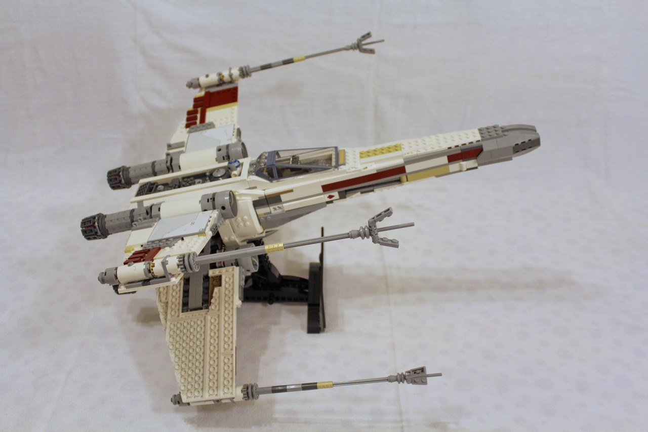 10240 UCS Red Five X-wing Starfighter-04