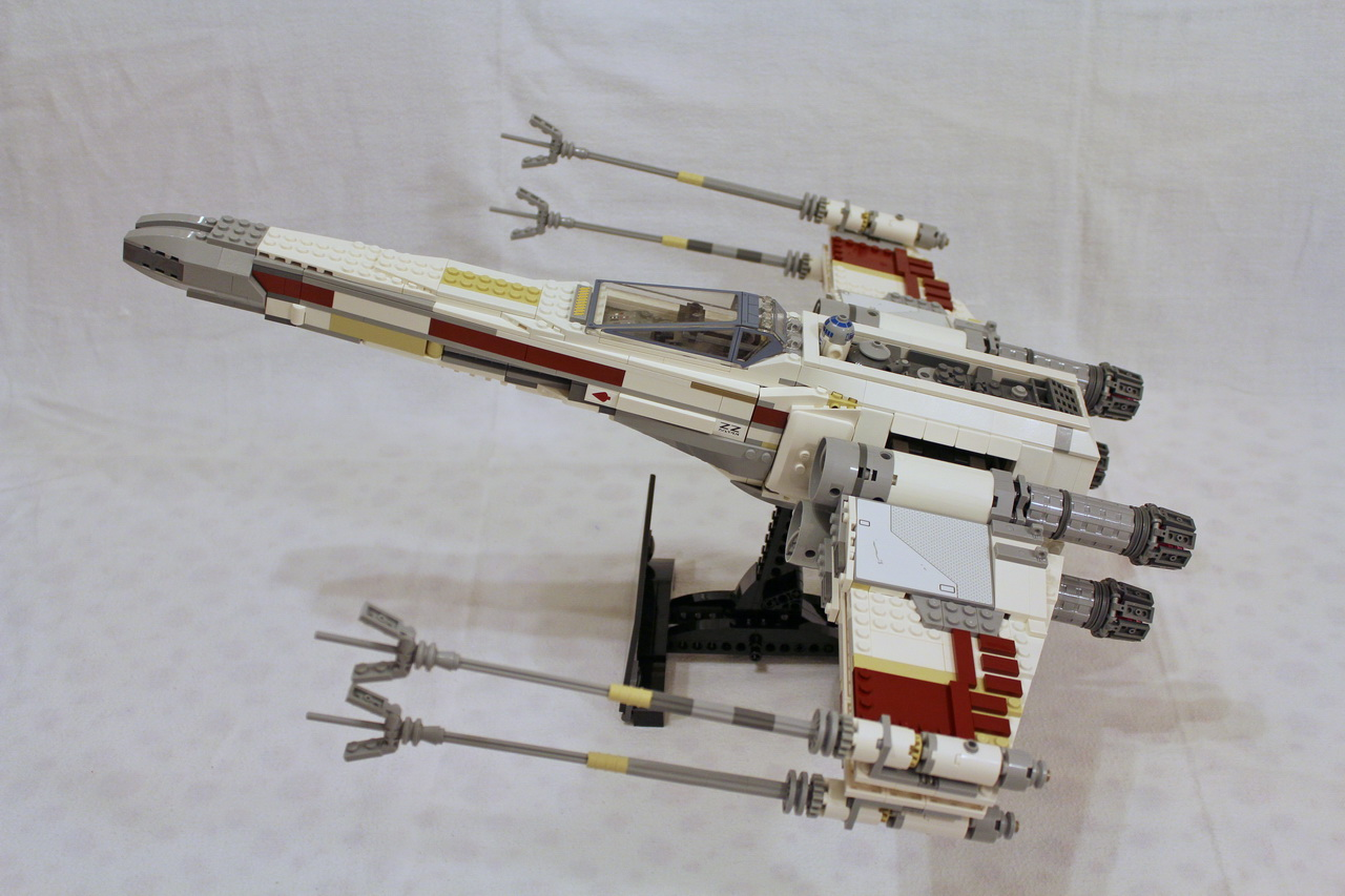 10240 UCS Red Five X-wing Starfighter-08