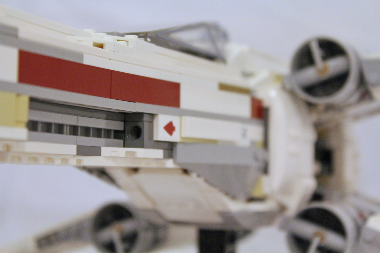 10240 UCS Red Five X-wing Starfighter-12