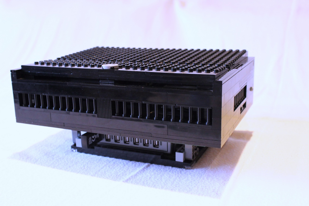 RASPBERRY-WD TV HD Live-LEGO-DOCK-02