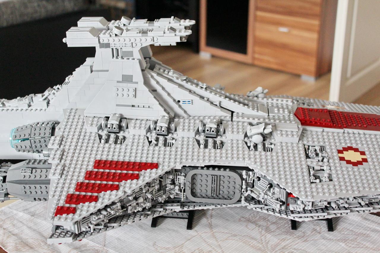 lego-ucs-venator-moc-11