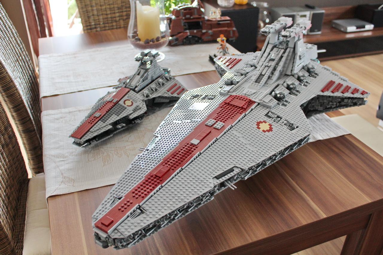 lego-8039-venator-vs-ucs-venator-04